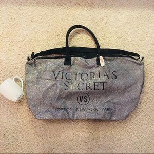 NWT Victoria's Secret Large Duffle Bag